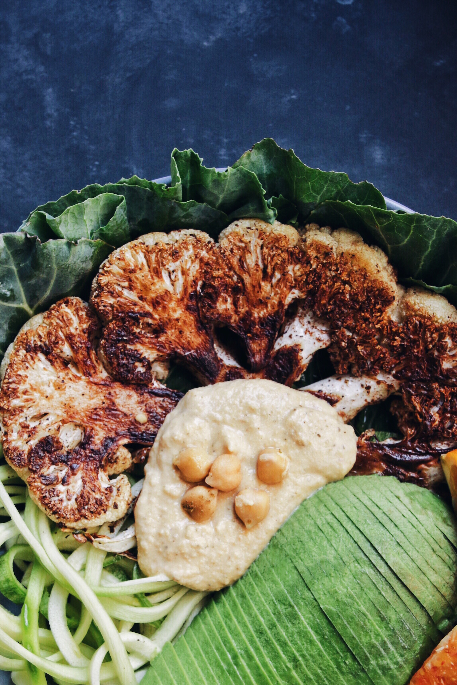 ROASTED CAULIFLOWER BOWL WITH CINNAMON AND CUMIN | black.white.vivid.
