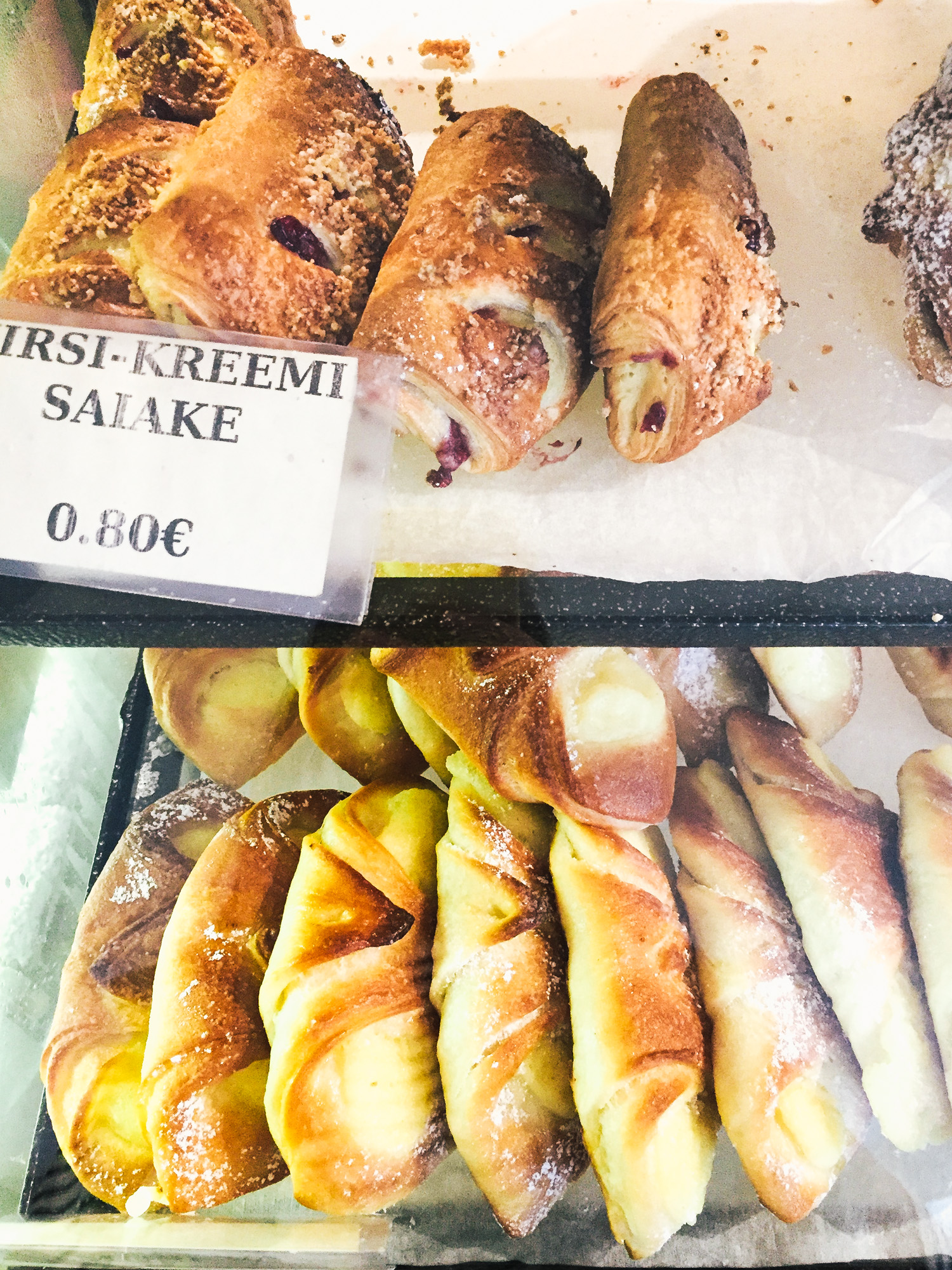 TALLINN FOOD GUIDE - 10 PLACES YOU MUST TRY - bakery