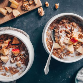 Carrot Cake Oatmeal (vegan & gluten-free) by black.white.vivid.