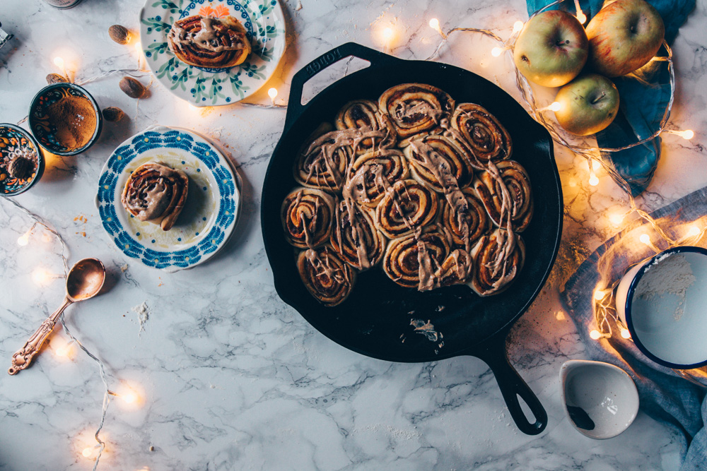 Apple Cinnamon Rolls (vegan) by black.white.vivid.