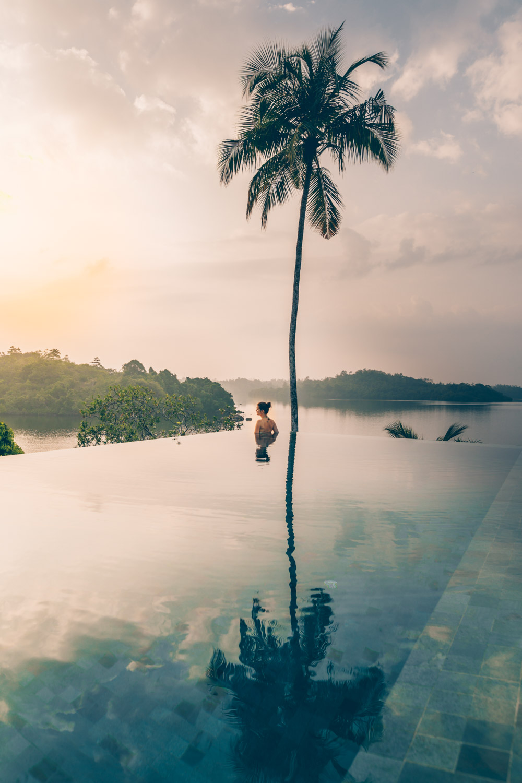 Tri hotel in Sri Lanka - a review by black.white.vivid