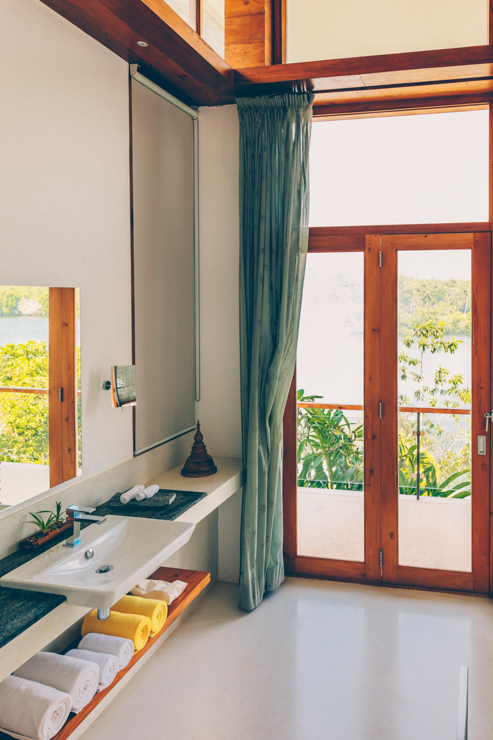 Heaven on earth in sri lanka tri hotel review black for Window design sri lanka