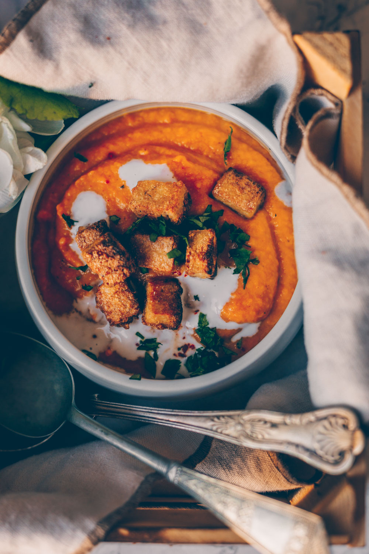 Roasted Pumpkin Soup with Crispy Tofu (vegan, gluten-free) by Kati of black.white.vivid.
