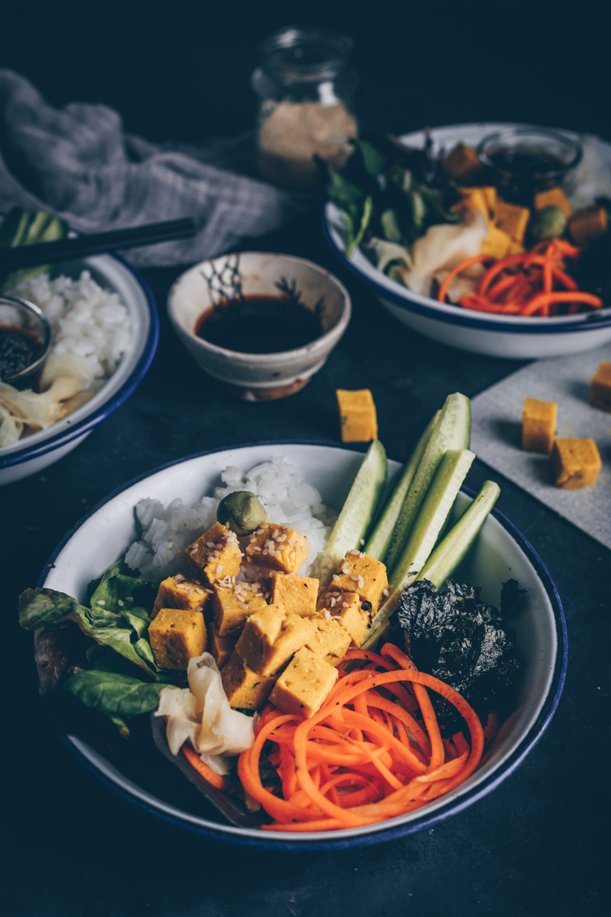 Japanese Sushi Bowl with Chickpea Tofu by Kati of black.white.vivid.