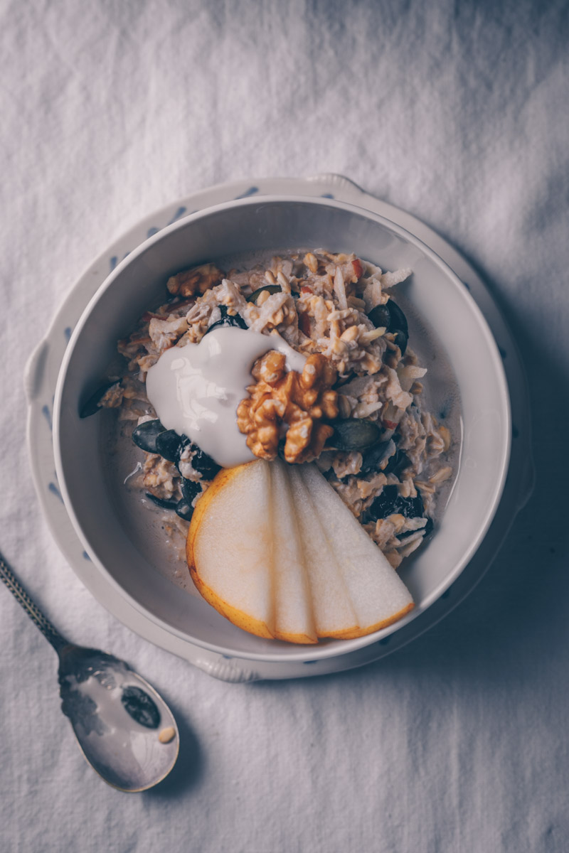 Traditional Swiss but Vegan Bircher Muesli by Kati of black.white.vivid.