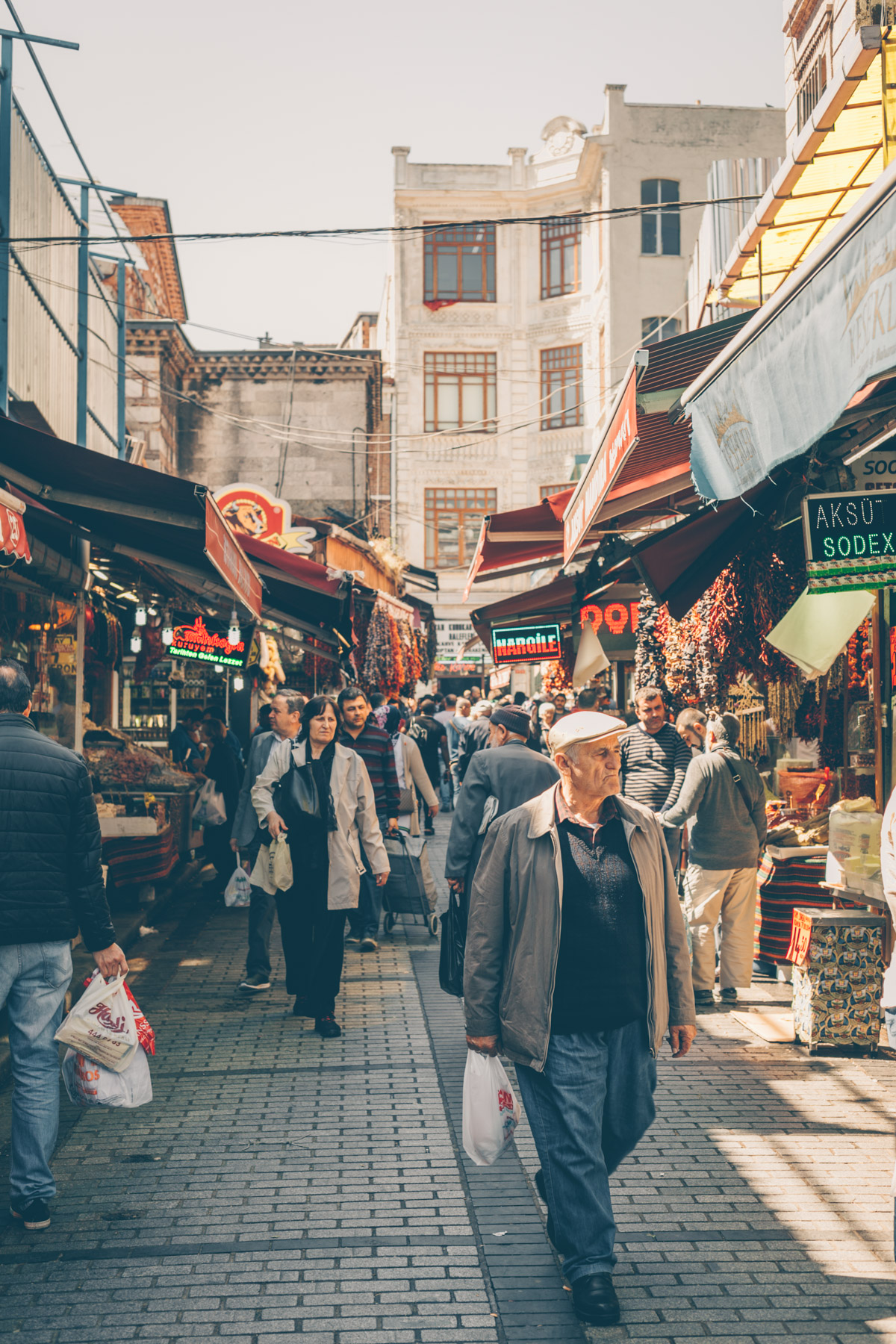 A Quick Travel and Food Guide to Old Istanbul by Kati of black.white.vivid.