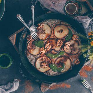 German Apple Pancake (Apfelpfannkuchen) - a Vegan Recipe by Kati of black.white.vivid.