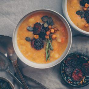 German Comfort Potato Soup (vegan & gluten-free) by Kati of black.white.vivid.