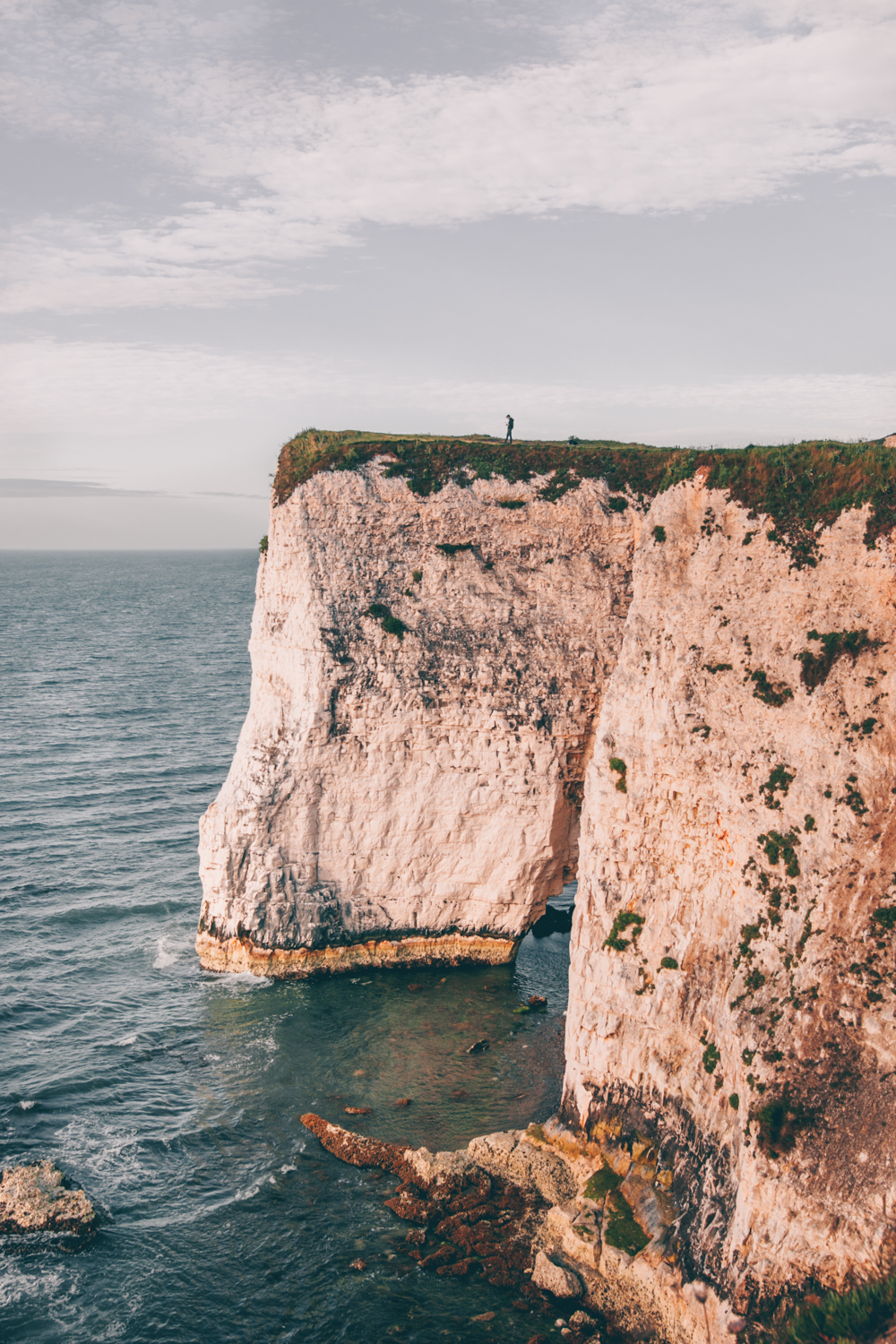 Wander Stories | Dorset's Jurassic Coast - A Photography & Drone Guide by Kati of black.white.vivid.