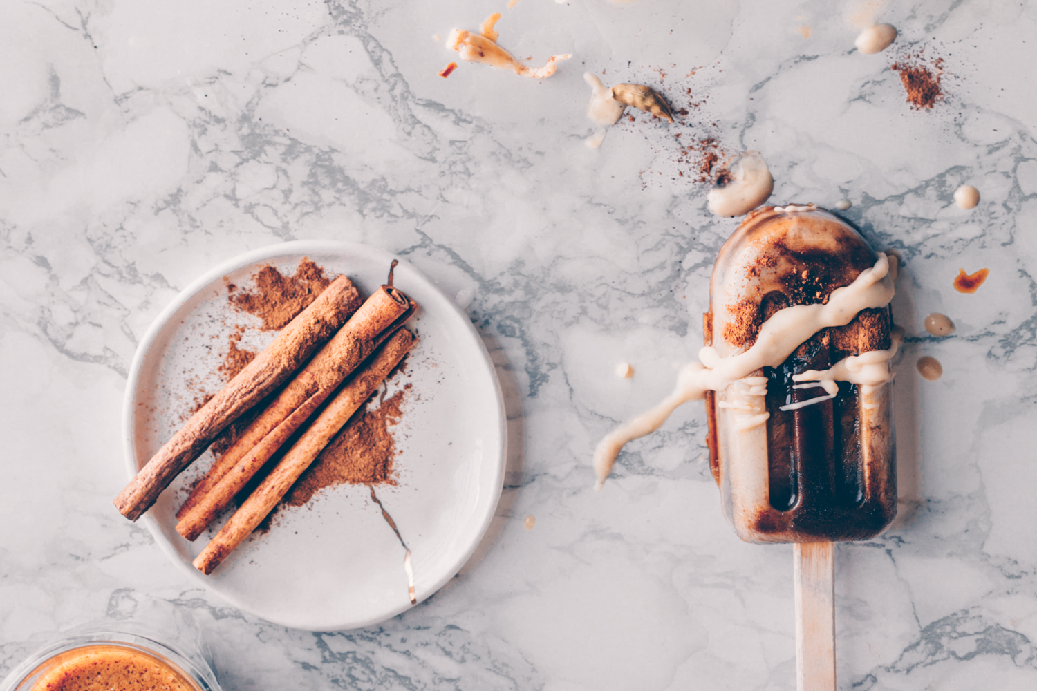 Spiced Turkish Coffee Popsicles - A Vegan Recipe by Kati of black.white.vivid. - Vegan Ice Cream popsicles with Oriental Coffee and Cashew Cream, spiced with cardamom and cinnamon - food photography, moody food photography, food styling, vegan popsicle recipe, coffee popsicle recipe