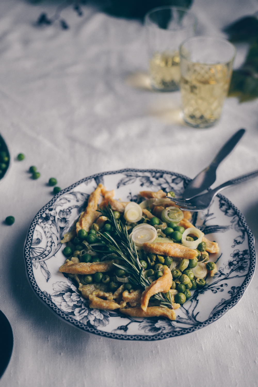 Spaetzle with leek and peas a swiss recipe by fanny the foodie spaetzle with leek and peas a vegan recipe by fanny the foodie and kati of sisterspd