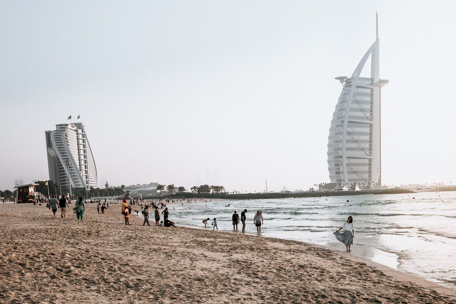 A Quick Travel Guide to Dubai and Beyond by Kati of black.white.vivid. // travel photography, Dubai, Abu Dhabi, Dubai desert, Dubai food, Dubai restaurant, Dubai cafe, Dubai coffeeshop, UAE travel, food photography, restaurant photography, city photography, Lightroom presets